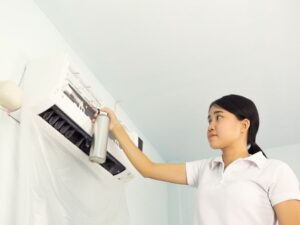 エアコン洗浄スプレーは危険です。